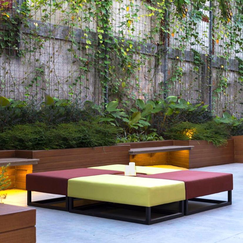 Aloft Lounge_1.jpg