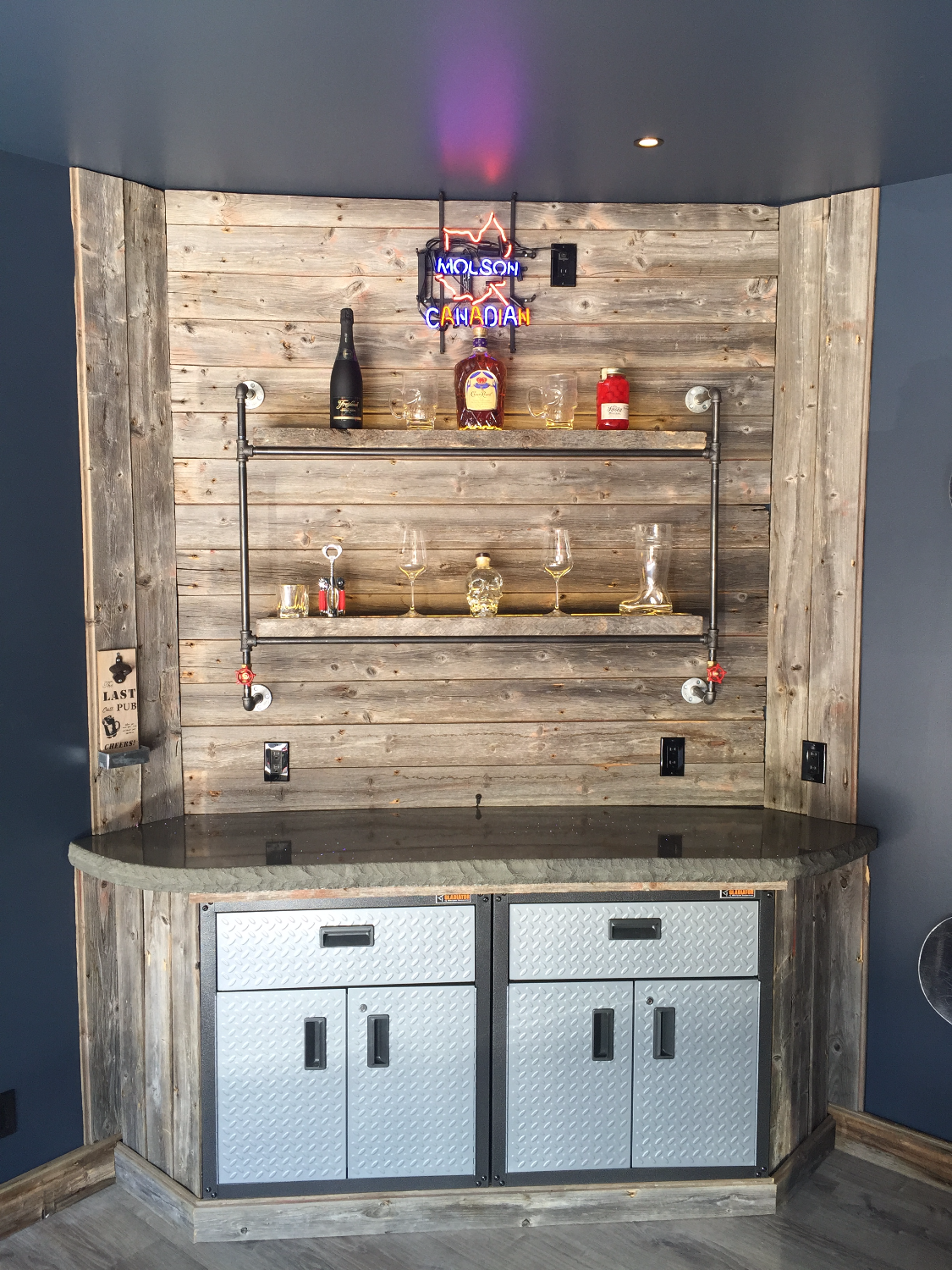 Man Cave - Barn Wood Bar