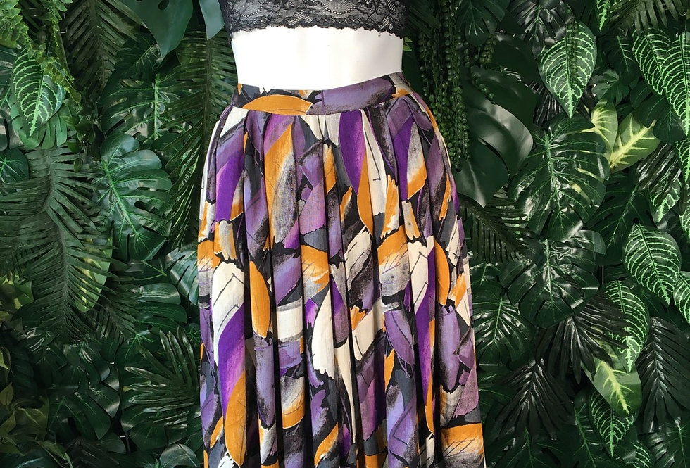 Graphic 90s skirt (size 10)