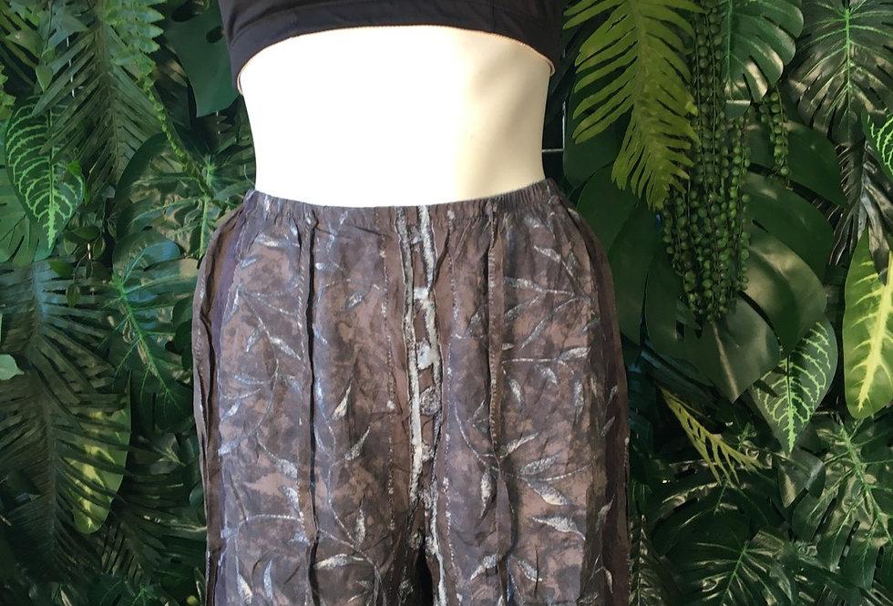 Leaf print 90s shorts (size 12-14)