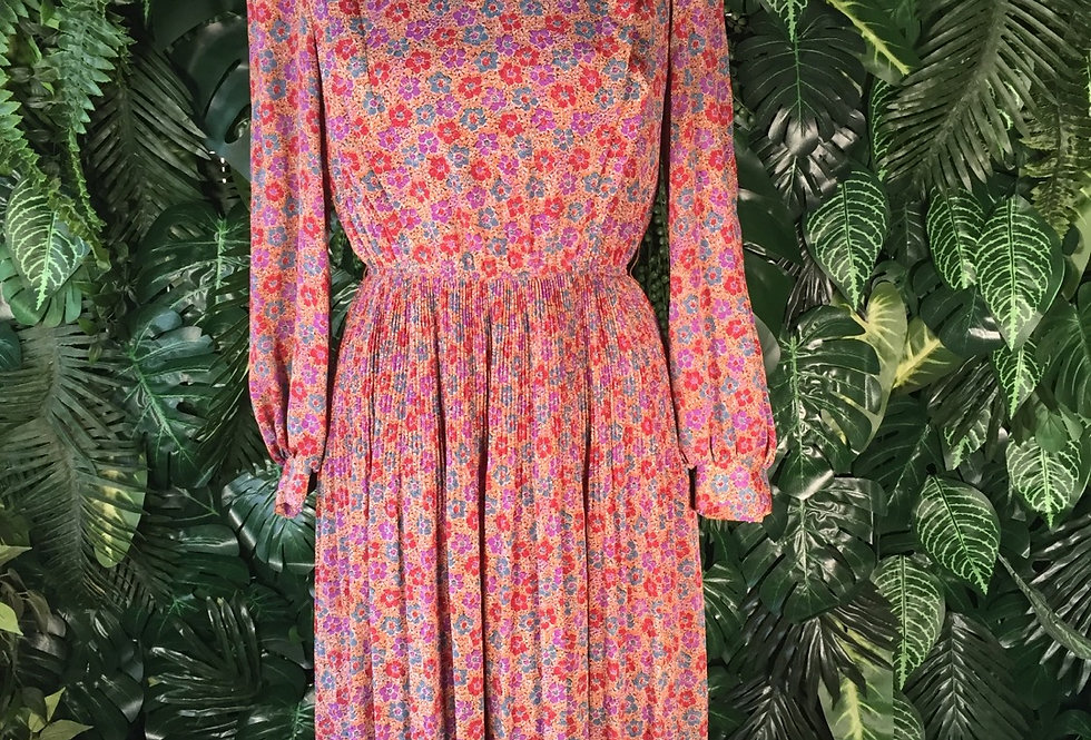 Cute pleated floral dress (size 8)