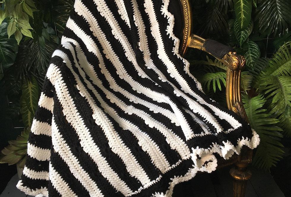 Monochrome striped blanket