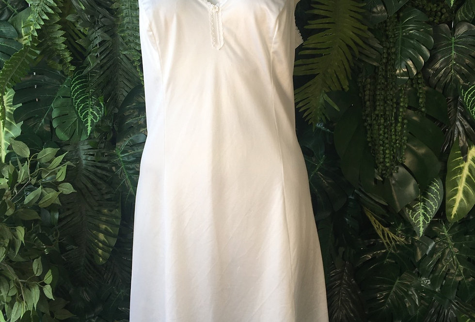 White slip with lace trim (size 12-14)