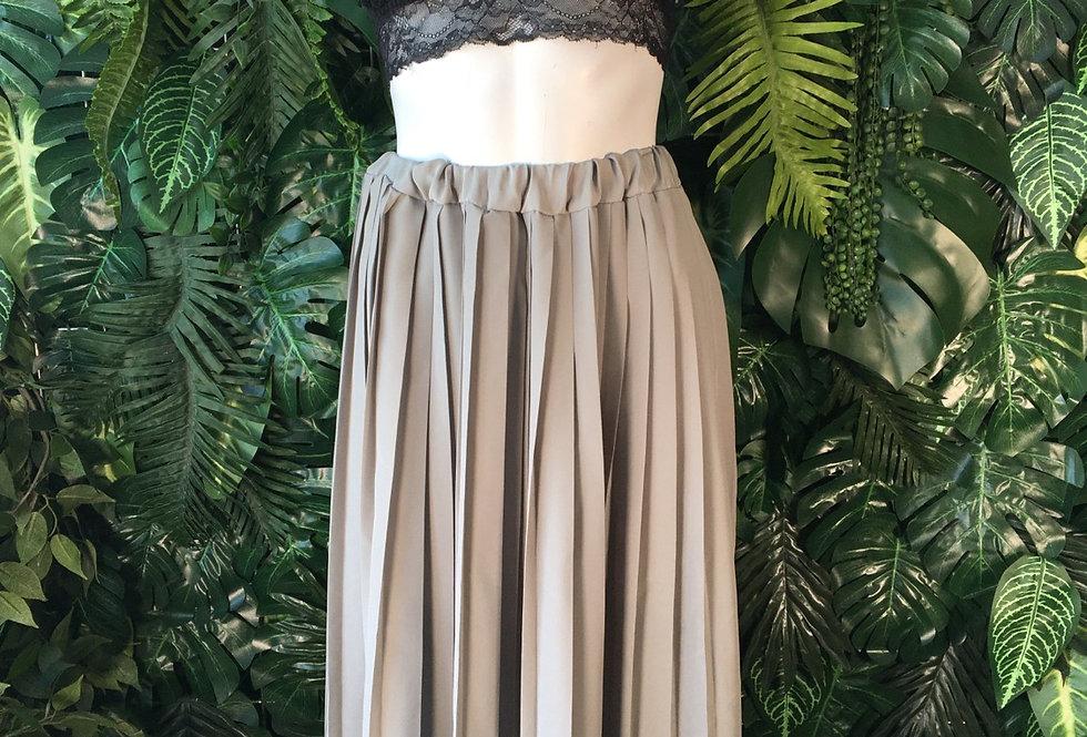 Canada pleated grey skirt (size 38)