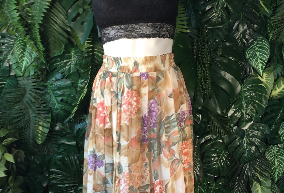 Lined floral skirt (size 8-10)