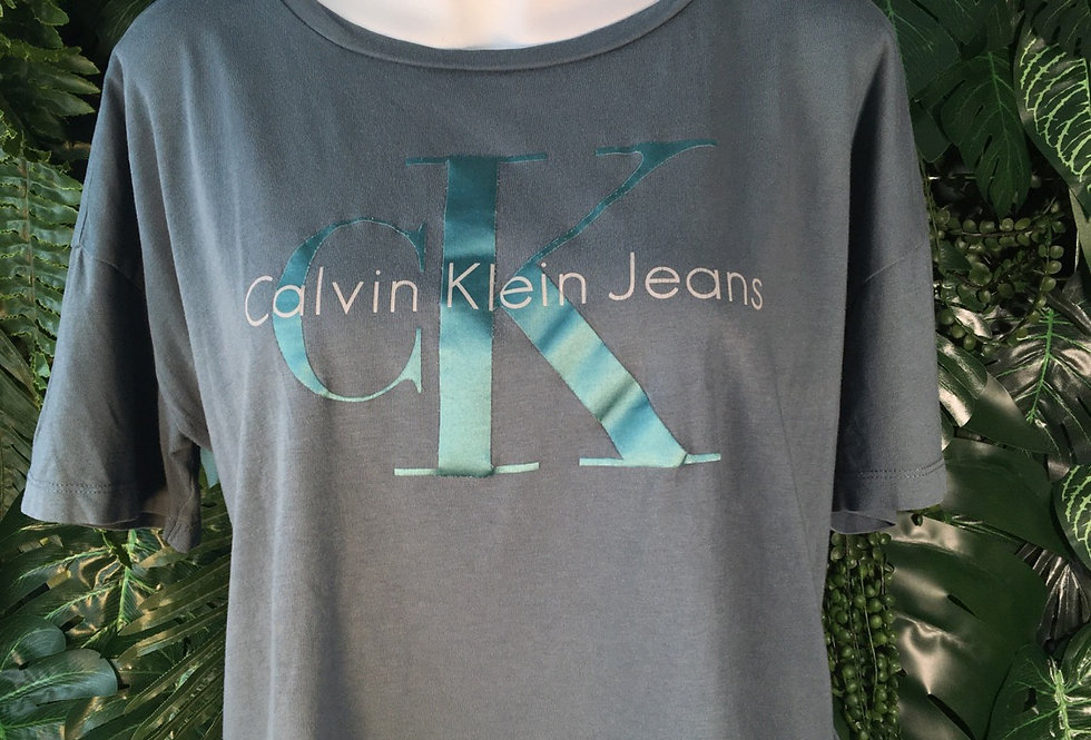 Calvin Klein Jeans cropped tee (S)