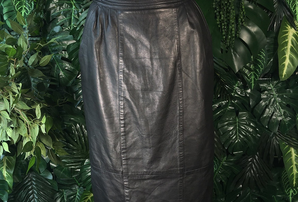 Leather pencil skirt (size 6)