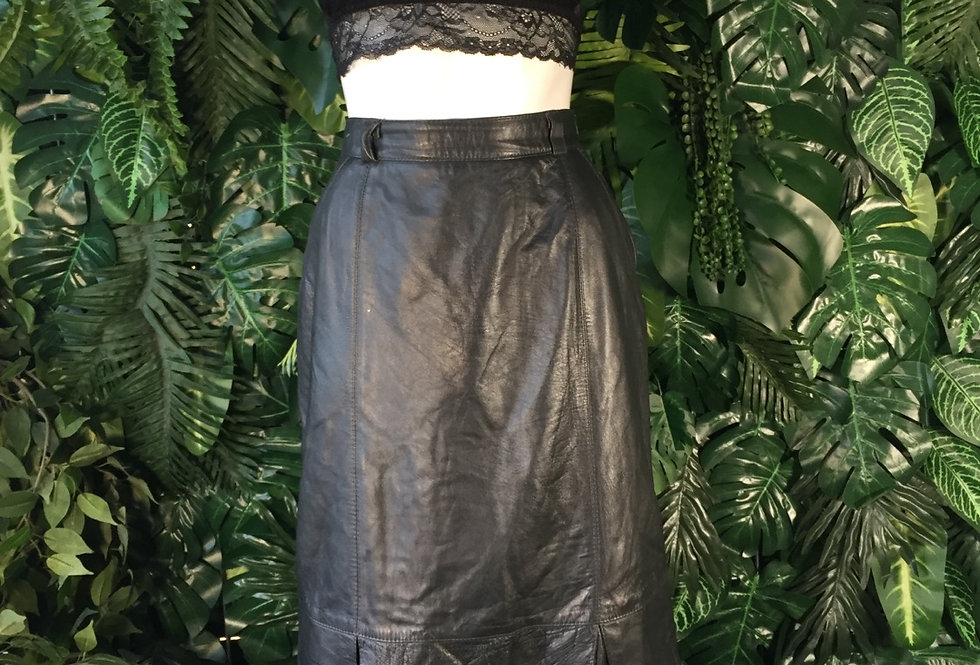 Genuine leather panel skirt (size 8-10)
