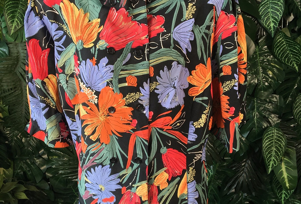 Graphic flower blouse (size 52)
