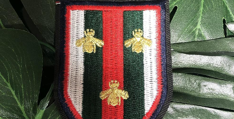 Bee 🐝 crest badge