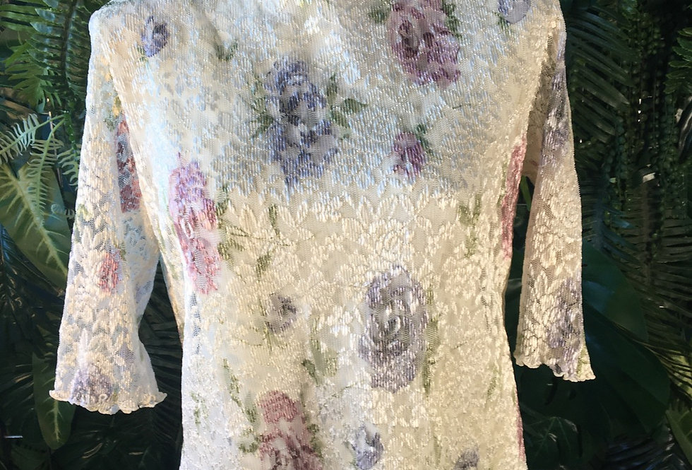 Half sleeve floral lace blouse