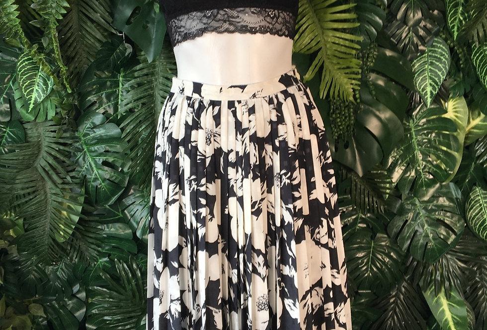 Bierdhale floral skirt (size 40)