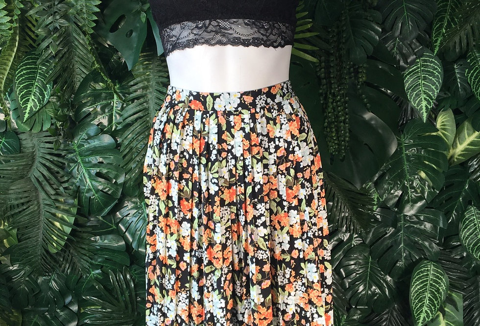 Pleated floral skirt (size 10)