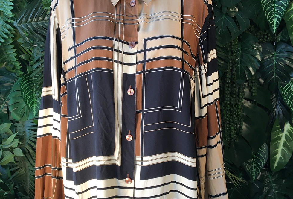 Geometric blouse (siz 18-20)