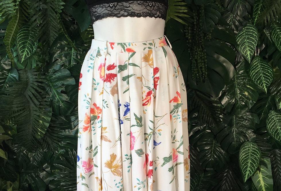 Fink white floral skirt  (size 40)