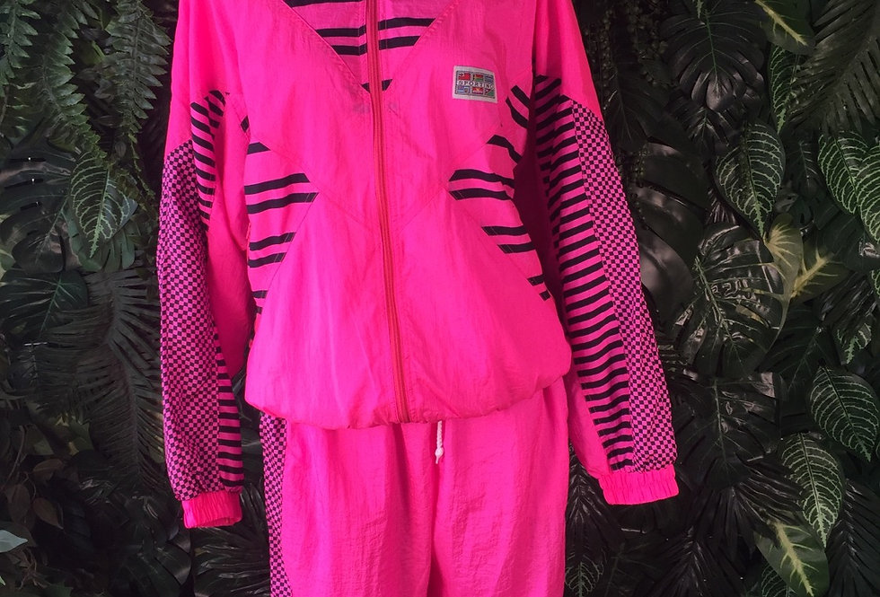 Sporting hot pink 90s track suit (size 44)