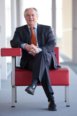 Dr Wolfgang Krombholz