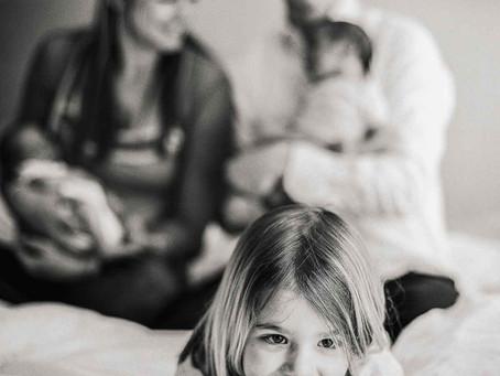Wie fühlen sich frischgebackene Geschwisterkinder (nicht nur beim Shooting)?