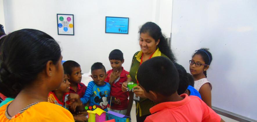 Harshani conducting Teaching Practice se
