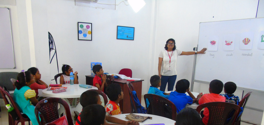 Ruwanthi conducting her teaching practic