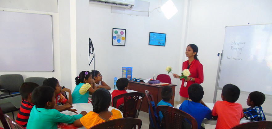 Chamika conducting teaching practice ses
