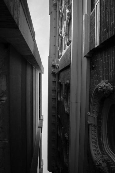 WormEyeBuilding_Downtown.jpg