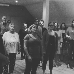 Love my #choir having a right laugh at a warm up!! Love them all!! _elsahunt _flossie_hunt93 _alexho