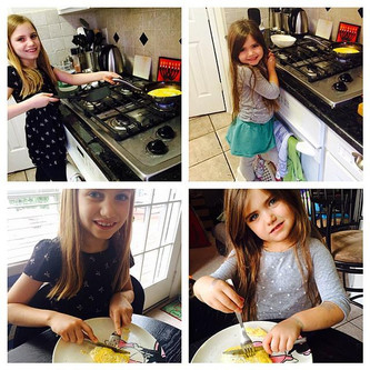 Girlies in the Kitchen