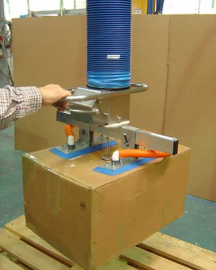 Vacuum lifter for boxes