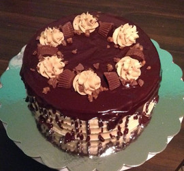 Chocolate cake with peanut butter frosti