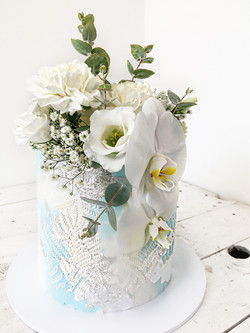 blue textured pattern floral cake