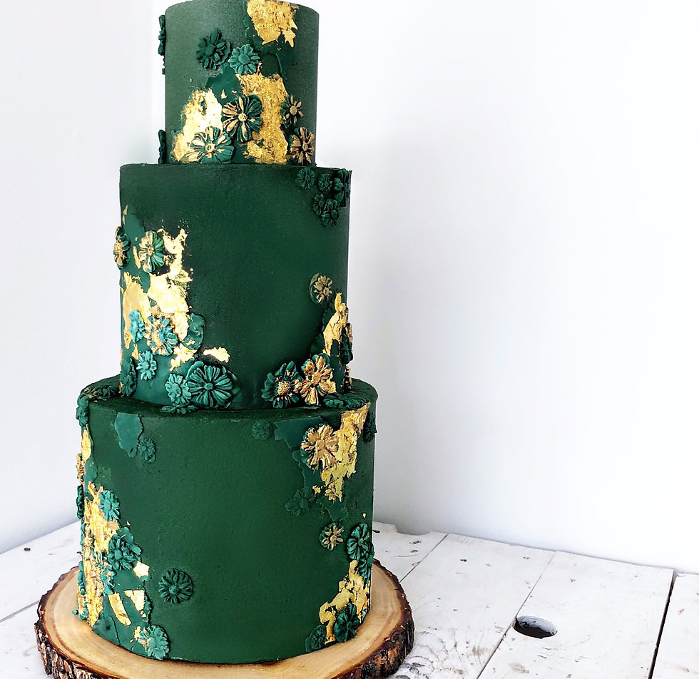 Emerald%20and%20Gold%20Wedding%20Cake_edited.jpg