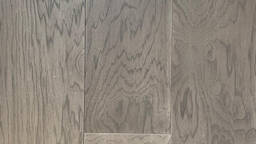 Engineered hickory 71/4 x3/4 colour:moon gray