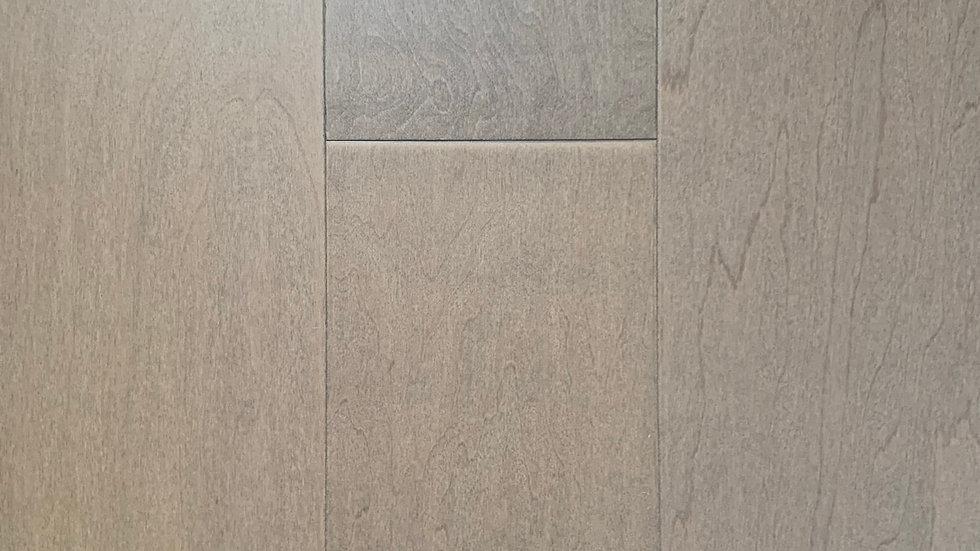 Engineered hardwood maple 7 1/4 width x3/4 colour saturn