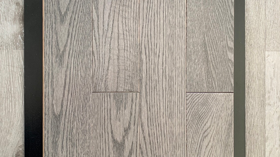 SOLID HARDWOOD RED OAK SELECT/BETTER  COLOR ICE