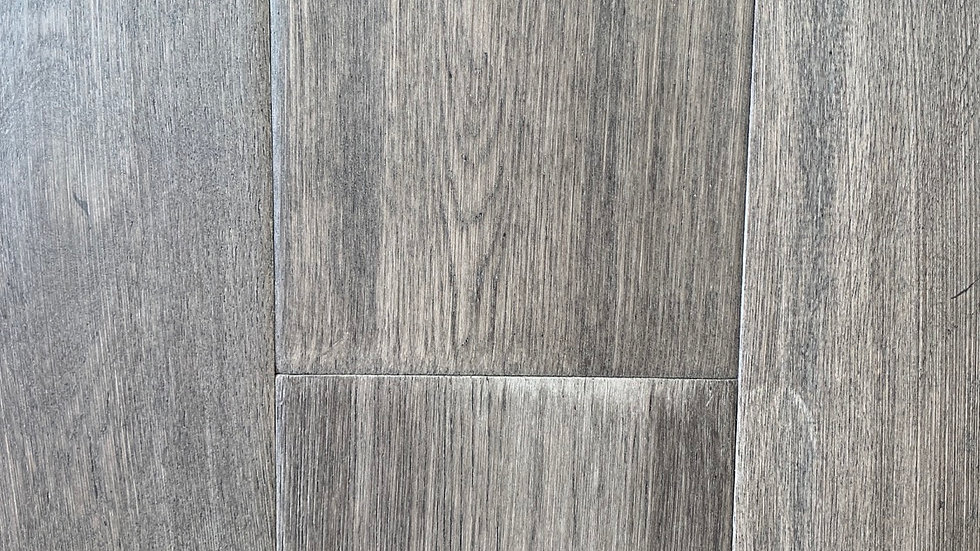OAK ENGINEERED FLOORING NAIL DOWN  COLOR CHROME