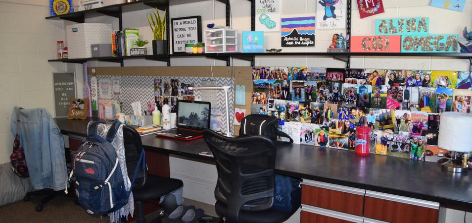 4 Person Room Desks