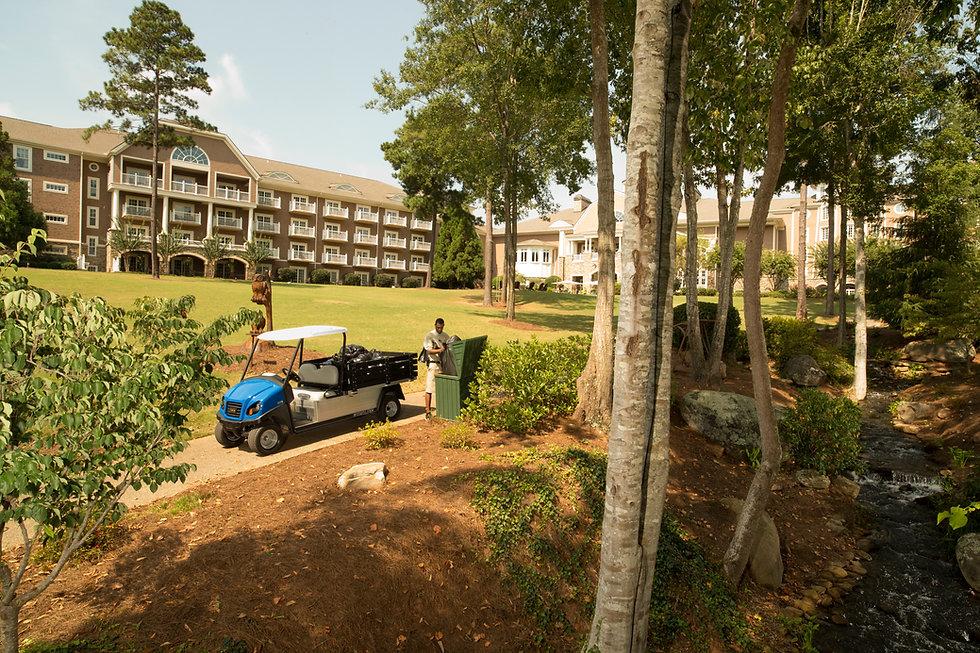 Carryall 700 Resort Image 1.jpg