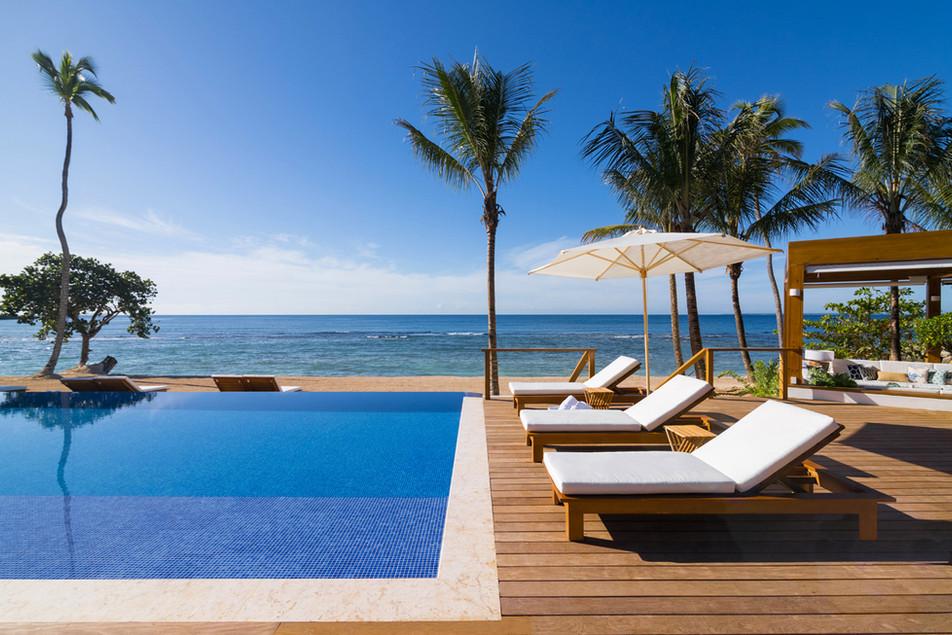 Minitas Beach Club & Restaurant