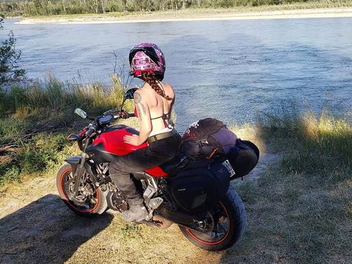 Em: Cute Canadian bike fan