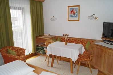 Appartement 3 mit Balkon (2).JPG