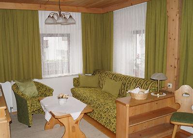 Appartement 2 mit Balkon (2).JPG