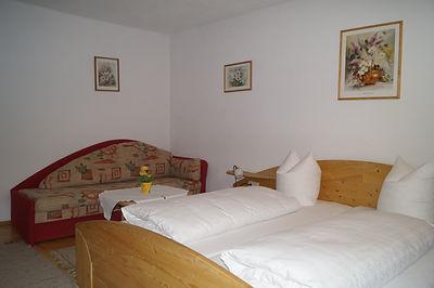 Appartement 4 mit Balkon (4).JPG
