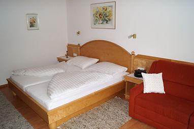 Appartement 6 mit Balkon (2).JPG
