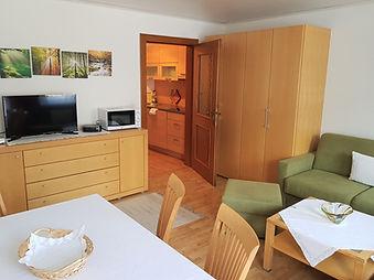 Appartement 5 mit Balkon (03).jpg