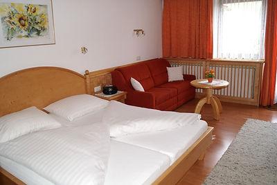 Appartement 6 mit Balkon (1).JPG