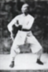 black and white image of kung fu master Leong Tin Chee Leung Tien Chiu