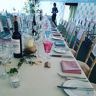 Setting tables for the most lovely #wint