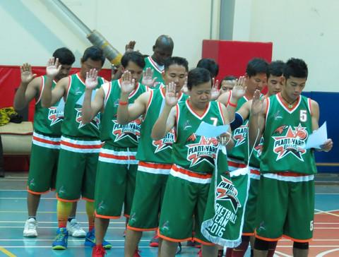 Alec Basketball 3.jpg