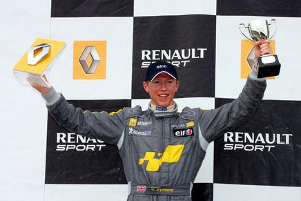 Chris Dymond podium Clio cup
